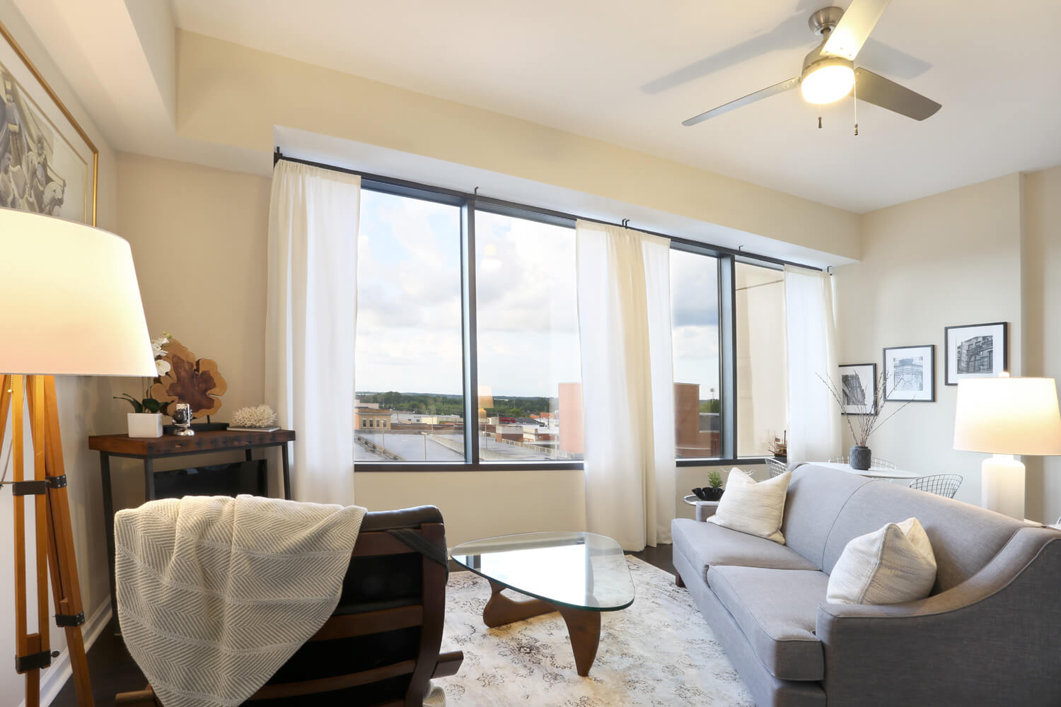 The 40 Four Building Designed by Foshee Architecture – Apartment Living Room